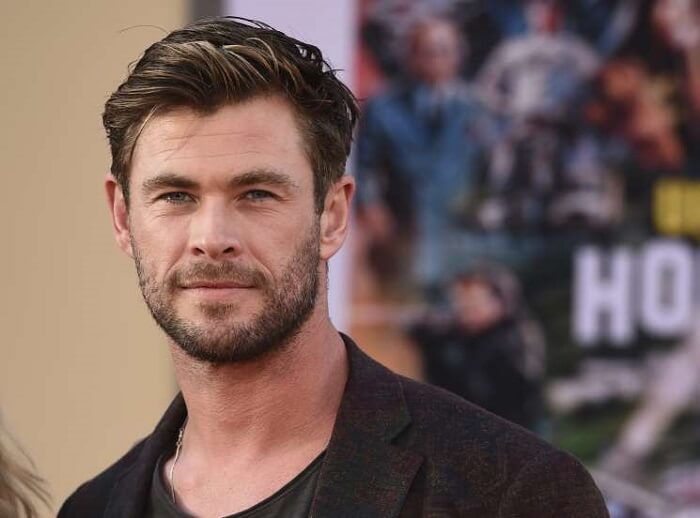 Chris Hemsworth Suffocated by Hollywood