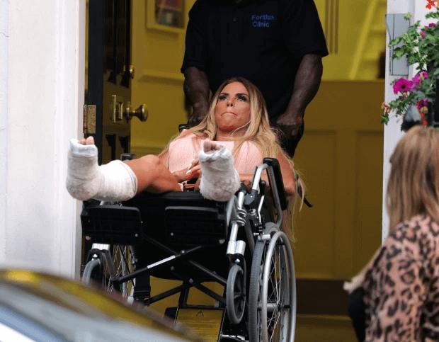 Katie Price broken feet